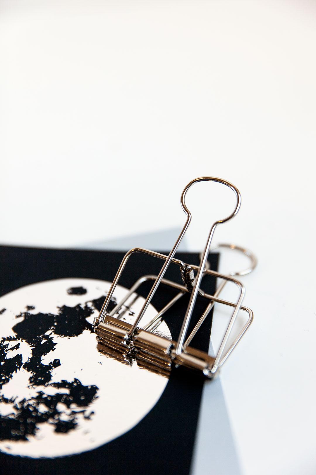 Metalli paperiklipsi | hopea iso 1