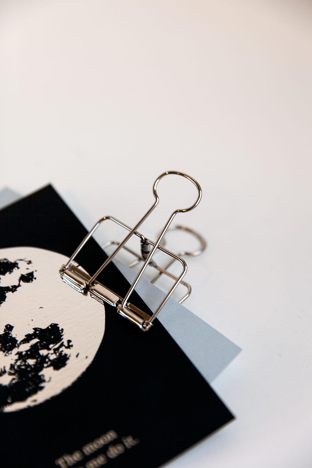 Metalli paperiklipsi | hopea iso 2