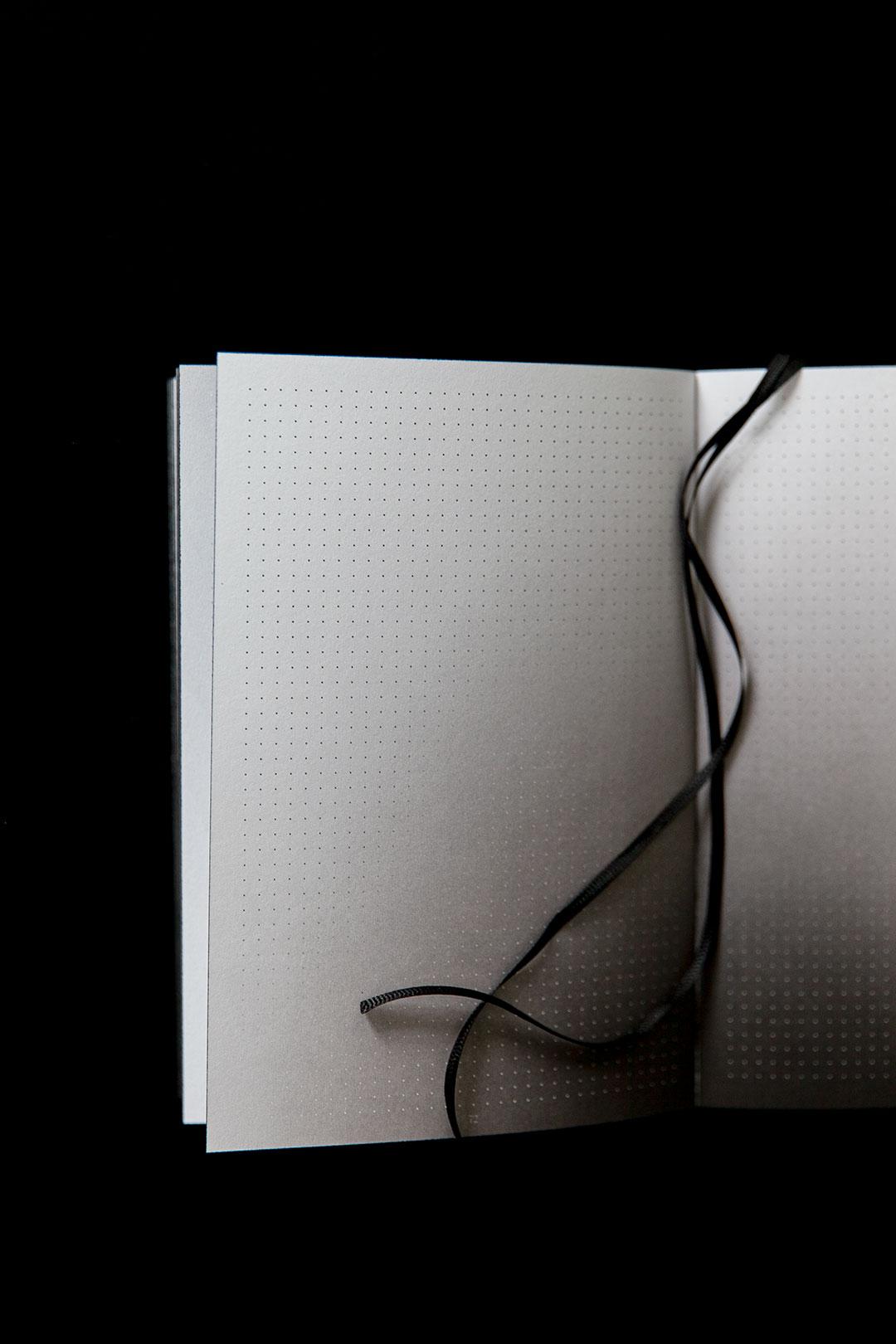Aura notebook A5 Monochrome slim | bullet journal 2